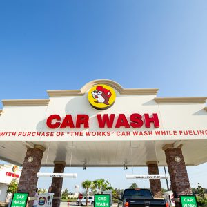 bucees-carwash-entrance